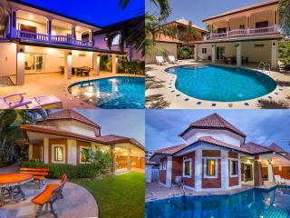 Beautiful villa's on the same compound with pools
