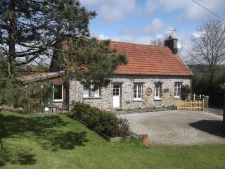 Lovely 3 bedroom cottage in quiet location, La Haye-du-Puits