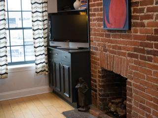 10 Reasons This Apt is For You!, Baltimore