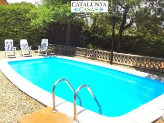 Cozy rural villa in Arbrells for 6 guests,  just 25km from Barcelona!