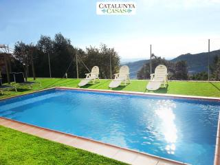 Villa Sole Sant Feliu for 8 guests, just a short drive to Barcelona!, Castellar del Valles