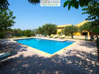 Stunning Peralada Mansion for 14 guests, only 8km from Costa Brava beaches, Fortia