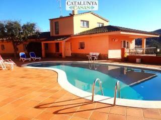 Glorious 5-bedroom villa for 10 people nestled in the hills of Arbucies, Arbucias