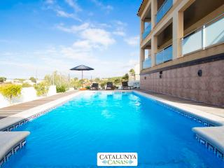 Mesmerizing villa in Calafell for 7 guests, only 9km from the beach!