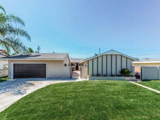 $449 Special Offer! Huge Pool Home in Anaheim Close to Disney and More