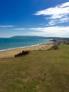 Coastal footpath walk from the holiday site to Sandown beaches