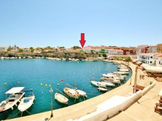 Casa climatizada a 100m del mar, terraza y 70m jar, Es Castell