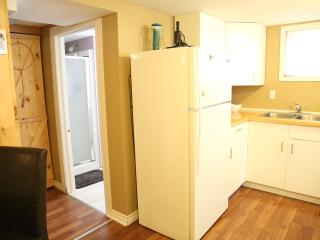 Cozy and Clean Basement Apartment, St. Catharines