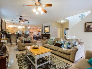 3,500 Sq Ft With Private Pool In Prestigious Club, Gilbert