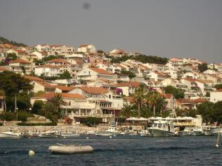 Apartment for 4 with terrace with view of the see, Hvar