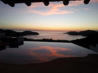 Best sunsets in Playa La Ropa, Zihuatanejo, Gro. Mexico. Car included !.