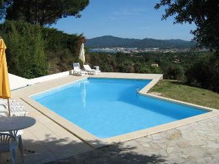 View for rent, comes with lovely villa and pool, Grimaud