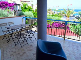 Acquamarina 8 - apartment in front of the beach