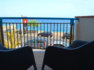 Acquamarina 9 - apartment in front of the beach, Santa Teresa di Riva