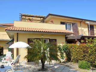 Villa Orchidea - Spacious home near the sea with pool, Riposto