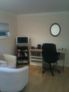 Guest suite with desk