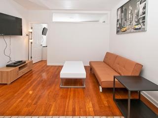 Renovated 2BR in the UES - Min 30 days (2C), Nueva York