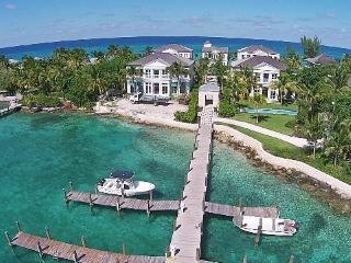 Beach Front, Ocean Front Luxury Vacation Rental, Nassau