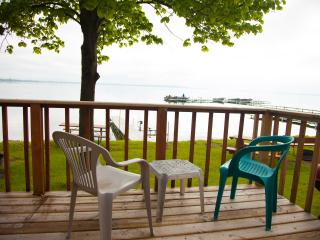 Quiet 1 bedroom cottage, Battle Lake