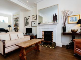 4 bed home on Lysia Street, Fulham, Londen