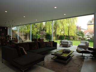 Wonderful West London. Incredible 5 bed home set over 5,000 sq ft in Chiswick.