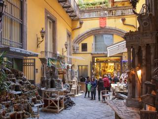 SANGREGORIO FLAT: At home in the old Naples 2