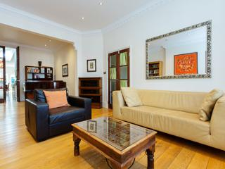 4 bedroom Edwardian home on Airedale Avenue, Chiswick, London