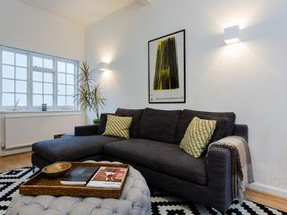 Delightful 3 bed Mews house, Pembridge Mews, Notting Hill, London