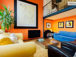 Artistic and colourful 2 bedroom apartment, London Bridge, Londres
