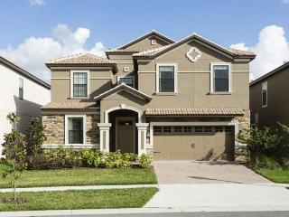 Beautiful Family Home - Private Pool, Games Room, Davenport