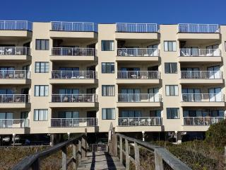 3BR/ 2&1/2 BA beachfront/oceanfront condo, Carolina Beach