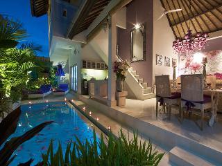 Romantic Seminyak Villa Near Seminyak Beach