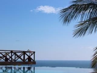 Casa Junto Al Mar- Huge Infinity Pool, Puerto Escondido