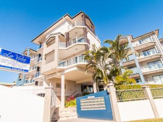 La Vida – Huge Two Bedroom Apartment, Redcliffe