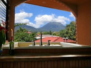 Fortuna's Best - Cute Cabina! A Little Piece of Paradise Right in La Fortuna, La Fortuna de San Carlos