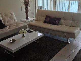 Great Beaches,Waterfront ,Prime Location !, Sunny Isles Beach