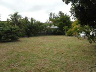Private Villa , 1 min beach, garden view
