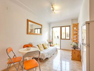 One-Bed Apartment 2 minutes from the beach