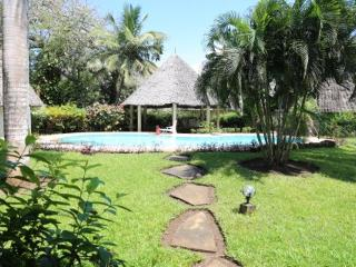Mango Park Two Villa with pool., Diani Beach