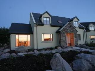 Klondyke Holiday Homes  Kerry 4 Bed Sleeps 8, Waterville