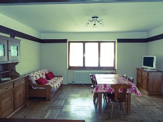 ampio appartamento con 3 camere da letto, Brusson