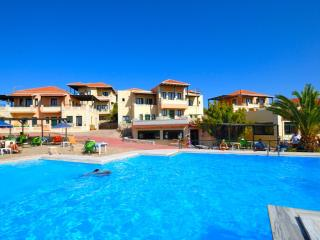 Aloni Suites 3 Bedroom Apartment, Chorafakia