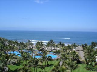 2BR2BA Ocean /b'front Nuevo Vallarta MEXICO (PVR)