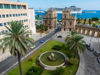 Porta Felice luxury Apt stunning view, Palermo