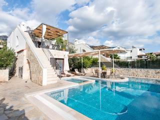 Villa Zeytin Koru, spacious 4 bed (all ensuite), Kalkan