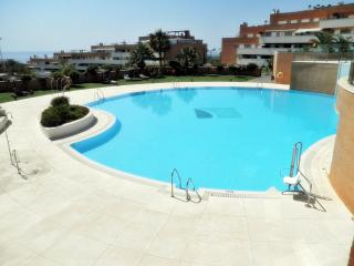Monte Real, 2 b. apartment with pool, Torremolinos