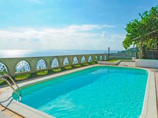 Vespero villa with swimming pool and sea view, Amalfi