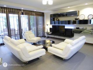 Privacy and comfort at 3-bedroom villa in Bang Tao