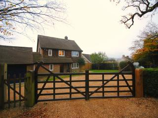 Cosy country home set perfectly between the North, Fernhurst