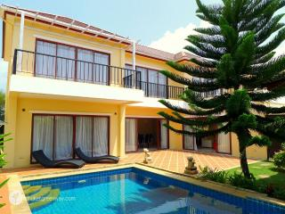 Amazing family villa with a private pool, Bang Tao Beach